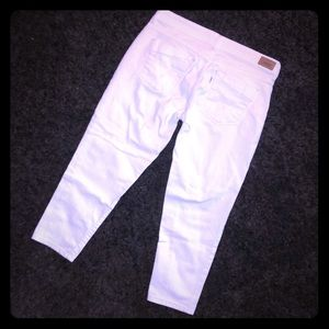 Levi's Cropped White Jeans